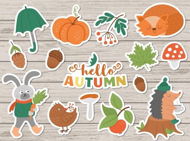 Wektor pakiet naklejek jesień. śliczne ikony jesieni zestaw do wydruków, odznaki. zabawna ilustracja zwierząt leśnych, dyni, grzybów, liści, zbiorów, warzyw, ptaków