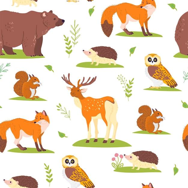 Wektor płaski wzór z dzikich zwierząt leśnych, ptaków i elementów kwiatowy na białym tle. sowa, niedźwiedź, lis.nadaje się do pakowania papieru, kartek, tapet, zawieszek na prezenty, dekoracji przedszkola itp.
