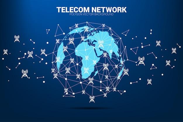 Wektor wielokąt kropka łączy linię z ikoną wieży antenowej wokół globu mapy świata.