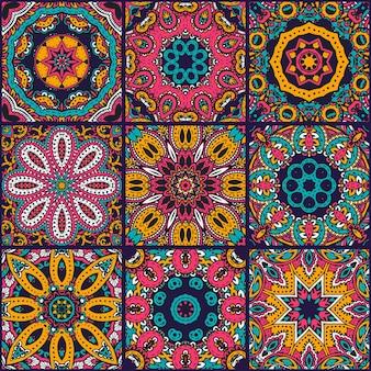 Wektor wzór streszczenie kolorowy patchwork, etniczne ozdoby., arabski, indyjskie motywy, ręcznie rysowane elementy. mandala okrągły ornament paisley w kwadraty do projektowania nadruków na tekstyliach, papier do pakowania.