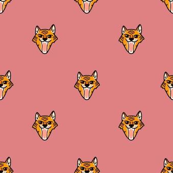 Wektor wzór z warczącą twarzą tygrysa w stylu kreskówki na różowym tle