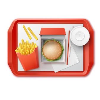 Wektor zestaw fast food realistyczne hamburger klasyczne burger ziemniaki burger frytki w czerwonym opakowaniu pudełko puste tekturowe kubki na napoje bezalkoholowe ze słomką na tacy widok z góry na białym tle