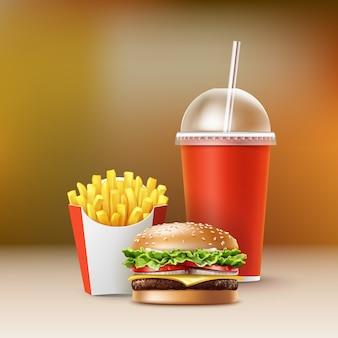 Wektor zestaw fast food realistyczne hamburger ziemniaki burger klasyczny burger frytki w czerwonym pudełku puste kartonowe kubki na napoje bezalkoholowe ze słomką na białym tle na rozmycie kolorowe tło.