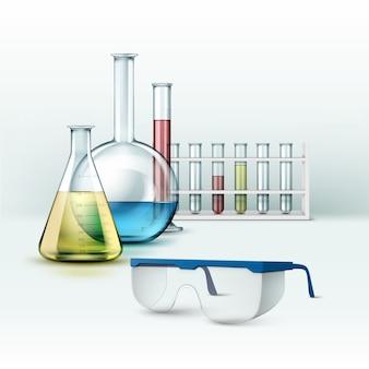 Wektor zestaw przezroczystych szklanych probówek laboratorium chemiczne, kolby z płynem niebieski, różowy, żółty, zielony i okulary na białym tle na tle