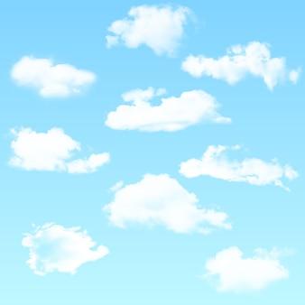 Wektor zestaw realistyczne chmury na białym tle na niebieskim tle. ilustracji wektorowych.