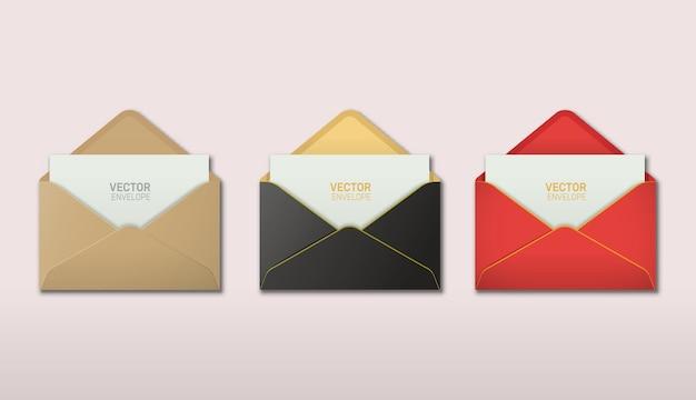 Wektor zestaw realistycznej otwartej koperty z kartą z zaproszeniem