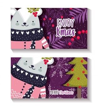 Wesołe kartki świąteczne z niedźwiedziem polarnym z holly berry i choinką