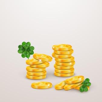 Wesołego dnia świętego patryka. projekt st patricks day z czterolistną koniczyną, stos złotych monet na białym tle na szarym tle. wzór symbolu irlandii. projekt banera, karty, plakatu, zaproszenia, pocztówki