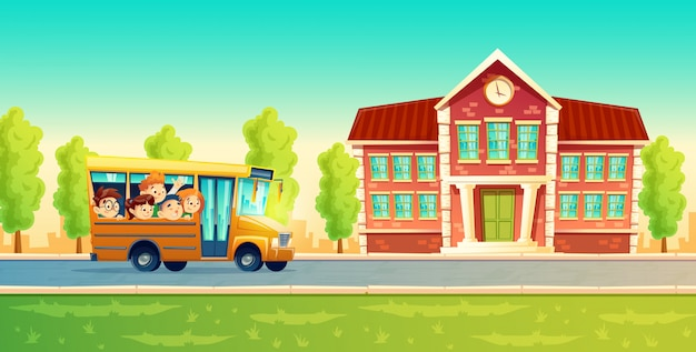 Wesoły uśmiechnięte dzieci, zadowoleni uczniowie, jazda na żółtym autobusie.