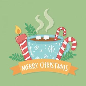 Wesołych świąt bożego narodzenia kartka z filiżanką czekolady i słodkie laski