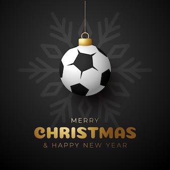Wesołych świąt i szczęśliwego nowego roku luksusowe sportowe karty z pozdrowieniami. piłka jako piłka boże narodzenie na tle. ilustracja wektorowa.