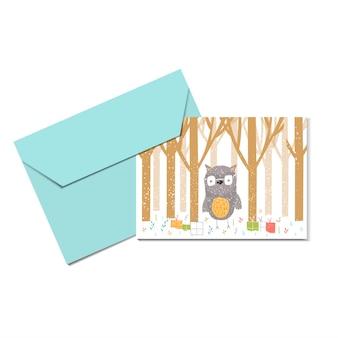 Wesołych świąt ładny kartkę z życzeniami z sową, lasem i kopertą na prezent. ręcznie rysowane styl plakatów na zaproszenie, pokój dziecięcy, wystrój przedszkola, projektowanie wnętrz. szablon wektor.