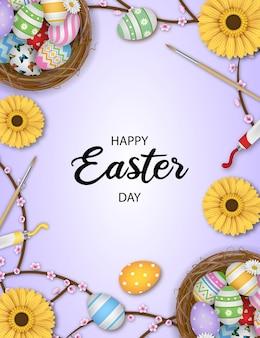 Wesołych świąt plakat z kolorowymi jajkami w gnieździe i kwiatami