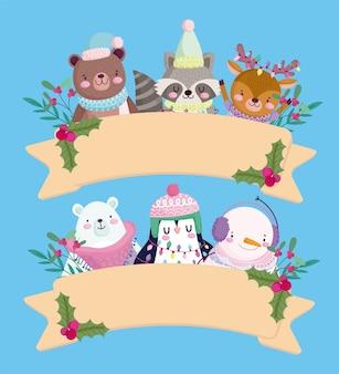 Wesołych świąt, urocze zwierzęta z czapkami holly berry wstążka dekoracji ilustracja