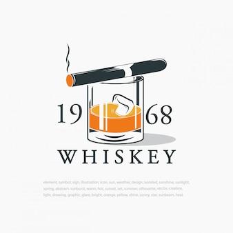Whisky z kostkami lodu i cygarem. logo