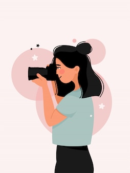 Widok z boku fotografii kobiety aparatem