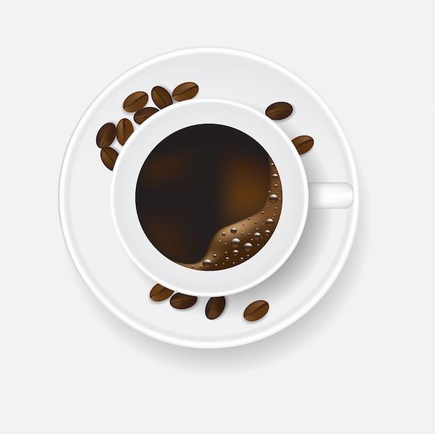 Widok z góry filiżanki kawy i fasoli.
