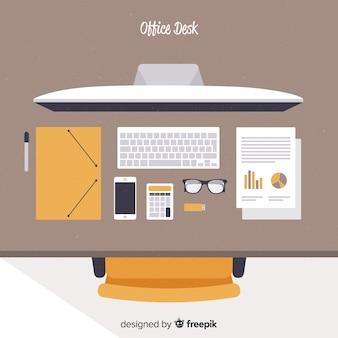 Widok z góry o nowoczesne biurko z płaskim projektem