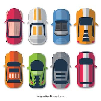 Widok z góry ośmiu samochodów