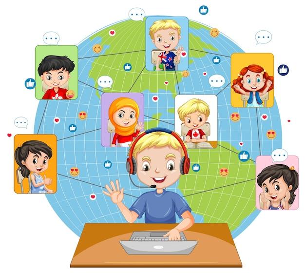 Widok z przodu chłopca za pomocą laptopa do komunikowania się wideokonferencji z przyjaciółmi na białym tle