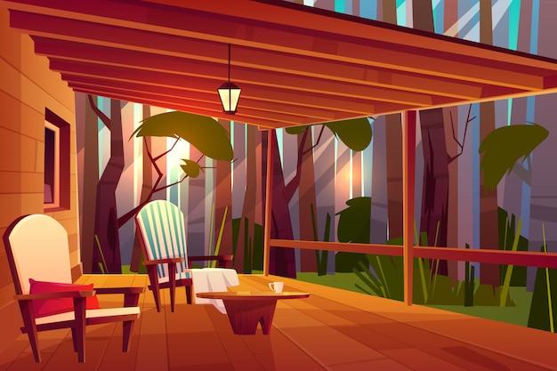 Wiejski dom w lesie z drewnianym stolikiem kawowym i wygodnym