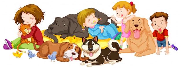 Wiele dzieci i zwierząt domowych na białym tle