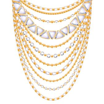 Wiele łańcuchów z diamentami, kamieniami, złotym metalicznym naszyjnikiem. osobisty dodatek modowy.