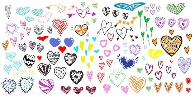 Wiele ręcznie rysowane serca w różnych stylach i kolorach. doskonały do liternictwa i dekoracji.