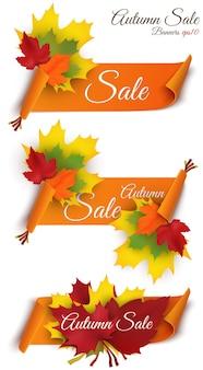 Wielka jesienna wyprzedaż. projekt sprzedaży jesienią. kolekcja trzech banerów. jesienne banery sprzedaży w internecie lub do druku