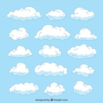 Wielka kolekcja ręcznie rysowane chmur o różnych rozmiarach