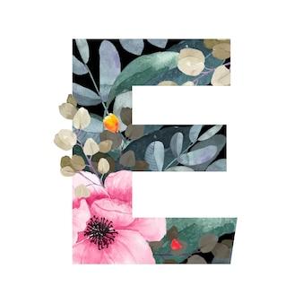 Wielka litera e kwiatowy styl. z kwiatami i liśćmi roślin.