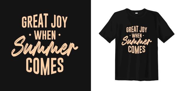 Wielka radość, gdy nadchodzi lato. cytaty o lecie na projekt koszulki