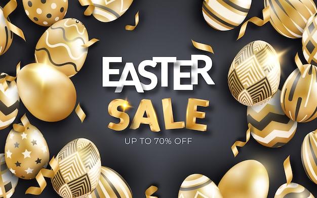 Wielkanocna wyprzedaż czarny sztandar z realistycznymi złotymi jajkami, tekstem i wstążkami.