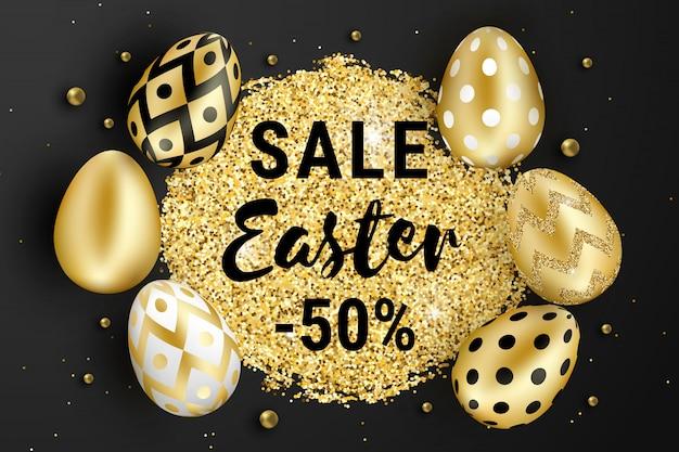 Wielkanocna wyprzedaż ozdobiona brokatem, złotymi koralikami i realistycznymi błyszczącymi złotymi jajkami na czarnym tle.