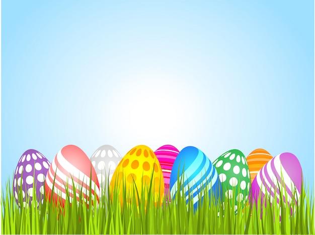 Wielkanocni jajka w trawie