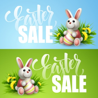 Wielkanocny sprzedaż sztandar z jajkami i wiosna kwiatem.