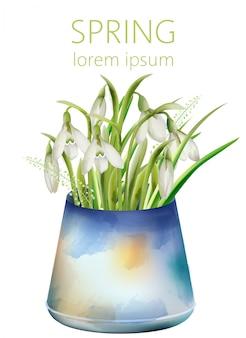 Wiosna białe kwiaty dzwon w starej niebieskiej wazonie