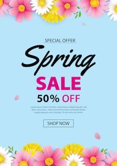 Wiosną sprzedaż plakat transparent z kwitnących kwiatów tło