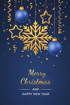 Wiszące lśniące złote płatki śniegu, metaliczne gwiazdy 3d i kulki. kartkę z życzeniami wakacje boże narodzenie i nowy rok