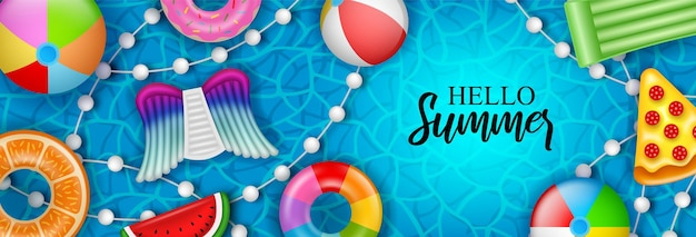 Witam letni baner z kolorowymi dmuchanymi materacami i kółkami do pływania na wodzie basenowej
