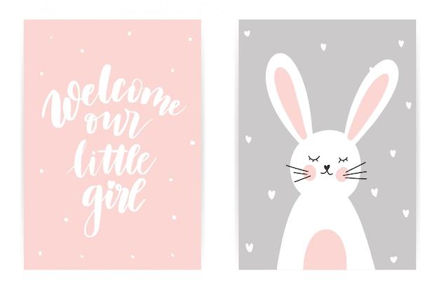Witamy naszą małą dziewczynkę. różowy szary królik