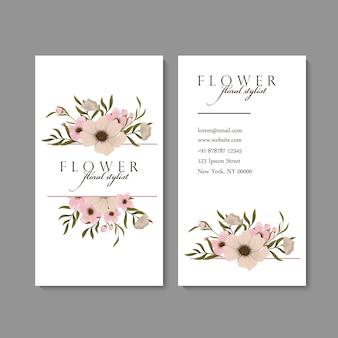 Wizytówka z pięknymi kwiatami. szablon