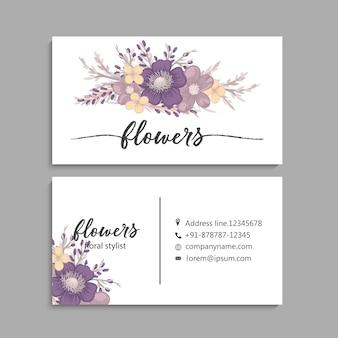 Wizytówki szablon z pięknymi kwiatami.