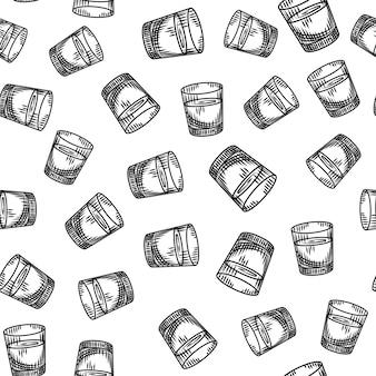Wódka strzelał bezszwowego wzór na białym tle. tapeta pełna kieliszek alkoholu.