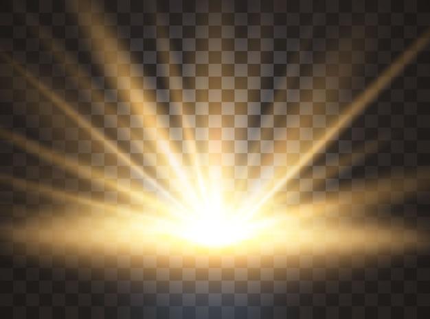 Wschód słońca, świt. przezroczyste światło słoneczne. specjalny efekt świetlny flary.