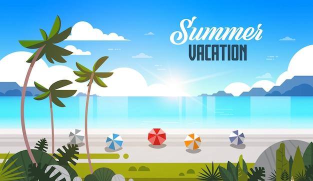Wschód słońca tropikalne palmy piłki plażowe widok letnie wakacje morze morze ocean napis