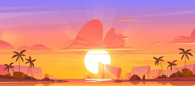 Wschodzące niebo w oceanie na tropikalnej wyspie, pomarańczowo-różowe niebo ze słońcem wschodzącym nad morzem z palmami i skałami wokół