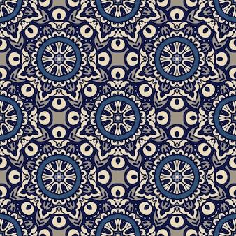 Wspaniały bezszwowy patchworkowy wzór z niebiesko-białych płytek orientalnych, ozdoby.