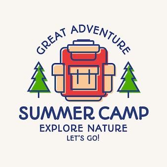 Wycieczka i obóz letni, plecak, odznaka podróżna z drzewami