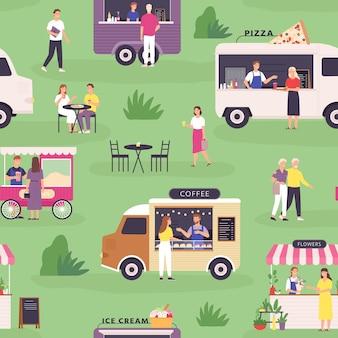 Wzór ciężarówki żywności. letni festiwal uliczny i ludzie kupują fast foody, pizzę i kawę w furgonetkach lub wózkach. drukuj wektor rynku zewnętrznego. zielona łąka z pojazdami do sprzedaży produktów
